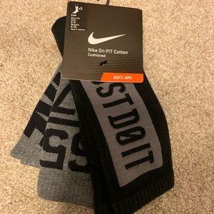 Unisex Nike crew sock. 3 pack.